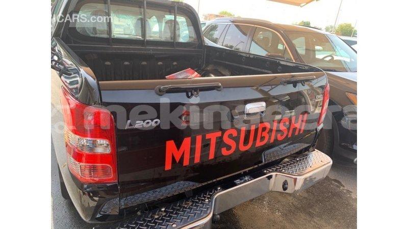 Big with watermark mitsubishi l200 anseba import dubai 1034