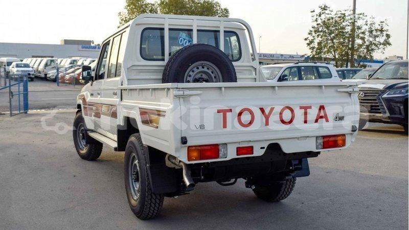Big with watermark toyota land cruiser anseba import dubai 1035