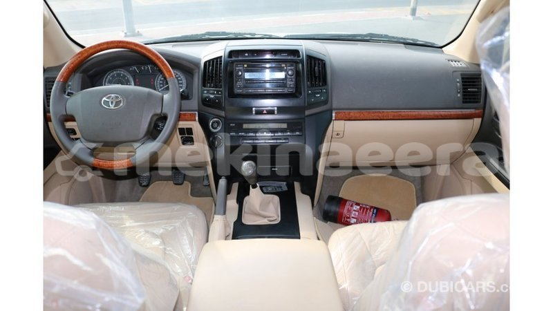 Big with watermark toyota land cruiser anseba import dubai 1039