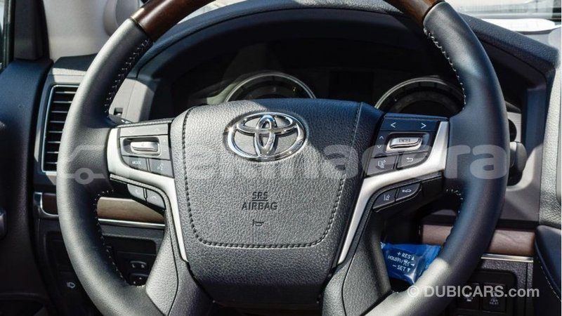 Big with watermark toyota land cruiser anseba import dubai 1731