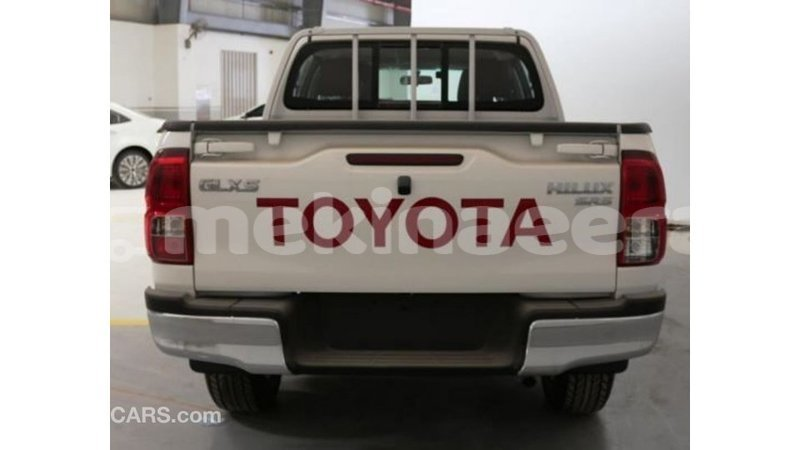 Big with watermark toyota hilux anseba import dubai 1735