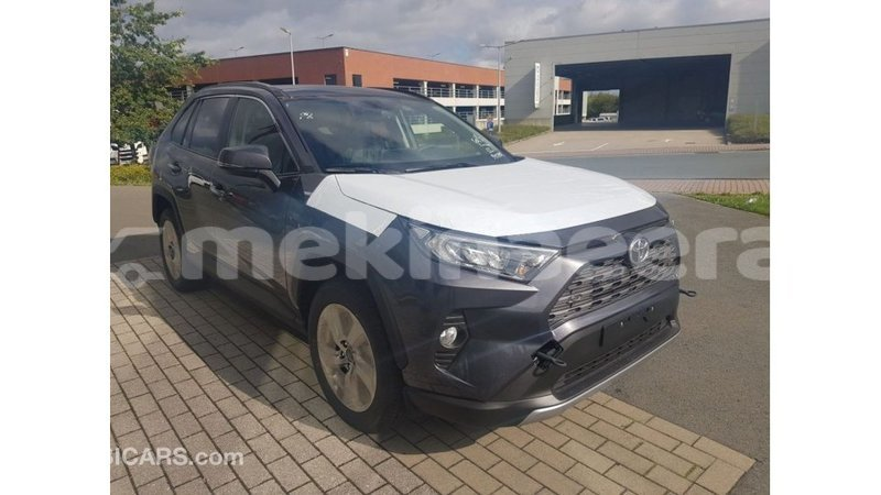 Big with watermark toyota rav4 anseba import dubai 2500