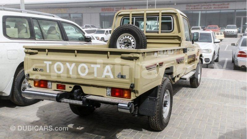 Big with watermark toyota land cruiser anseba import dubai 2509