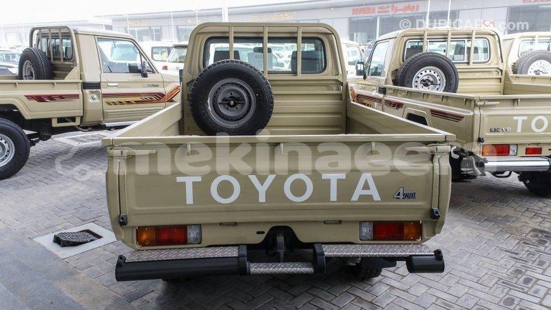 Big with watermark toyota land cruiser anseba import dubai 2512