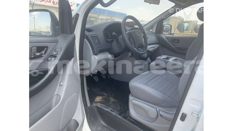 Big with watermark hyundai accent anseba import dubai 2698
