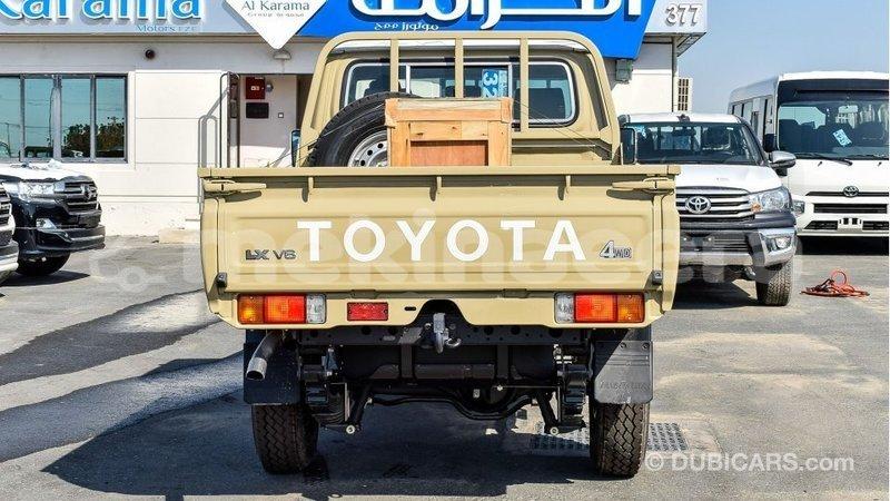 Big with watermark toyota land cruiser anseba import dubai 2701