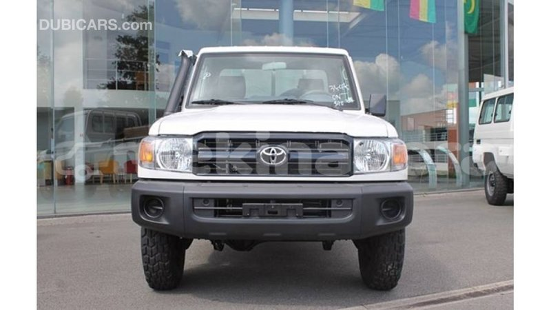 Big with watermark toyota land cruiser anseba import dubai 2986